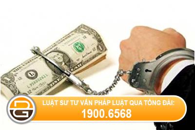 Bị đe dọa cướp tài sản thì phải làm thế nào?