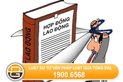Doanh-nghiep-cho-nghi-viec-nhung-khong-co-quyet-dinh-thoi-viec-co-dung-khong