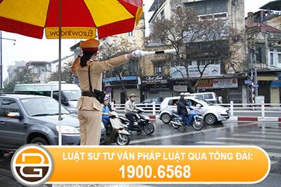 Giu-giay-phep-lai-xe-co-phai-lap-bien-ban-khong