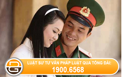 Quan-nhan-chuyen-nghiep-co-the-ket-hon-voi-nguoi-theo-dao-khong