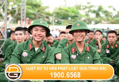 dang-hoc-pho-thong-co-duoc-tam-hoan-di-nghia-vu-quan-su-khong