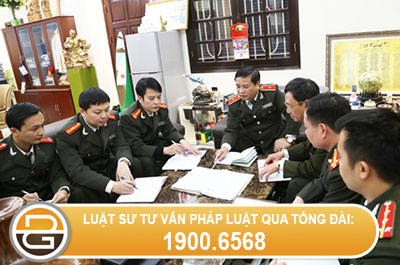 het-thoi-gian-biet-phai-cong-chuc-van-tiep-tuc-lam-viec
