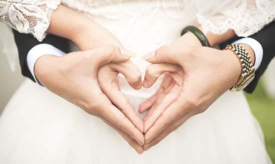 Điều kiện kết hôn với Đảng viên? Đảng viên có được ly hôn không?