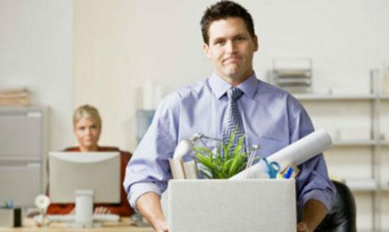 Người sử dụng lao động đơn phương chấm dứt hợp đồng lao động trái luật bồi thường thế nào?