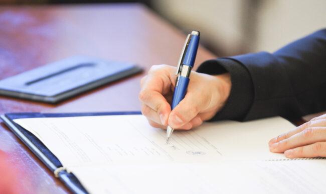 Chứng thực chữ ký khi nào? Trường hợp không được chứng thực chữ ký?