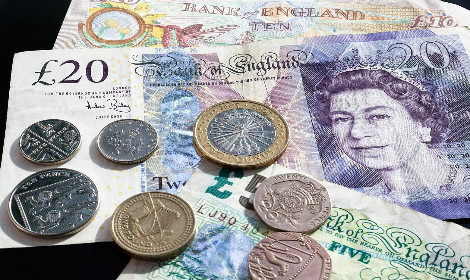 Điều kiện chuyển tiền ra nước ngoài? Cách chuyển ngoại tệ ra nước ngoài?