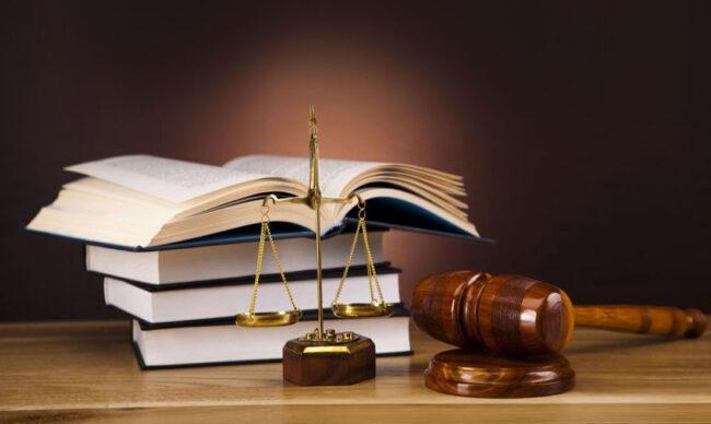 Pháp lý là gì? Một vài khái niệm, định nghĩa có liên quan về pháp lý?